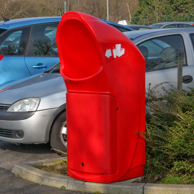 Combo Delta trash can in Red