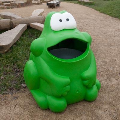 Froggo™ Animal-Shaped Trash Can | Glasdon