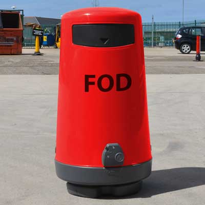 Topsy FOD 23 gallon trash can in red