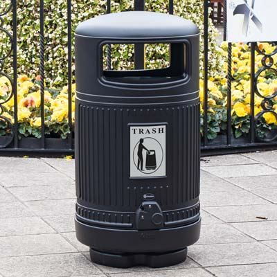 Topsy Royale™ 24 Gallon Trash Can